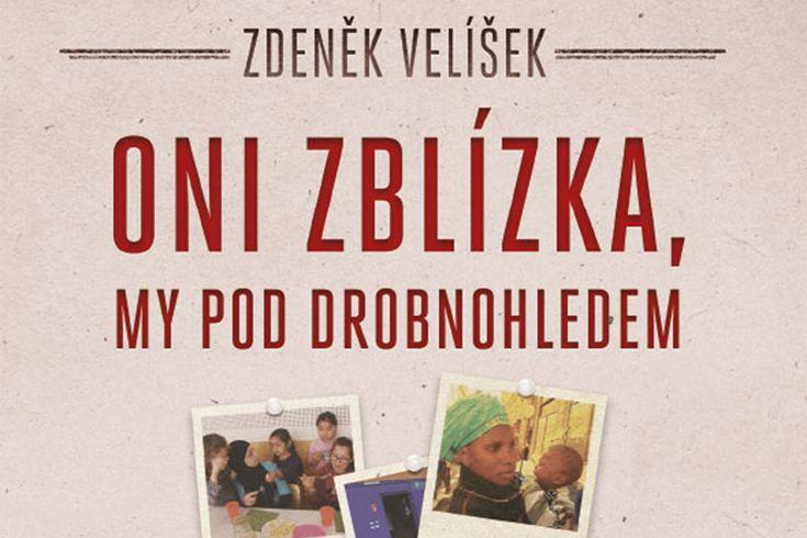 Vyhrajte tři knihy Oni zblízka my pod drobnohledem - www.klubknihomolu.cz