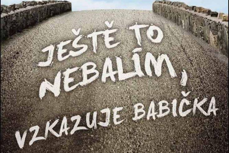 Vyhrajte tři knihy Ještě to nebalím vzkazuje babička - www.klubknihomolu.cz