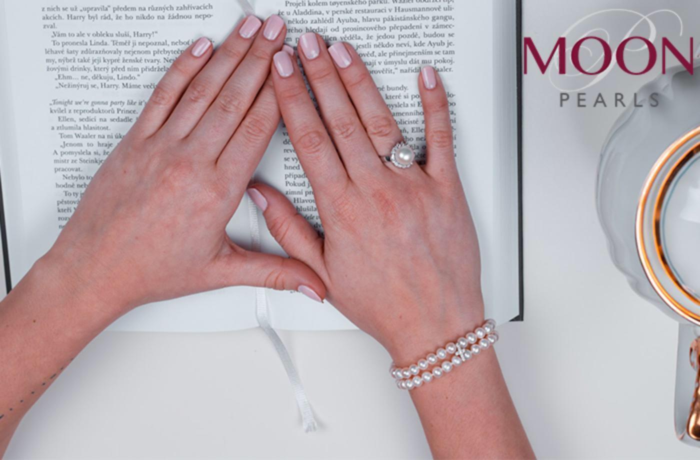 Rozdáváme krásu! Vyhrajte jeden ze tří luxusních šperků z pravých perel - www.moonpearls.cz