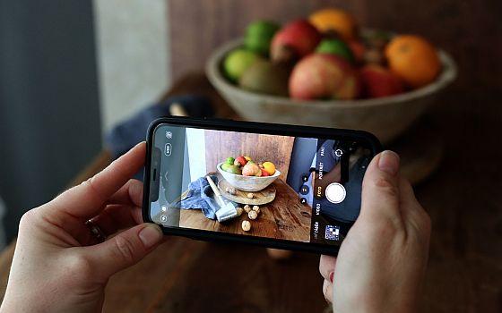 Soutěž o online kurz Jak skvěle fotit jídlo mobilem - www.chytrazena.cz